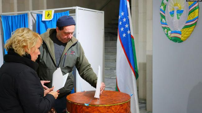 Узбекистанские выборы, долгое эхо киргизского феминнале и туркменская контрабанда из Индии